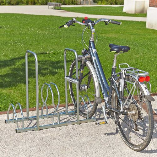 Stojan pre 3 bicykle s rámom na uzamknutie