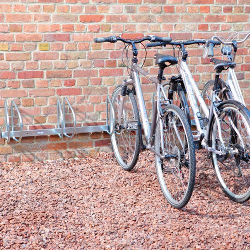 Stenový držiak pre 5 bicyklov - 90°